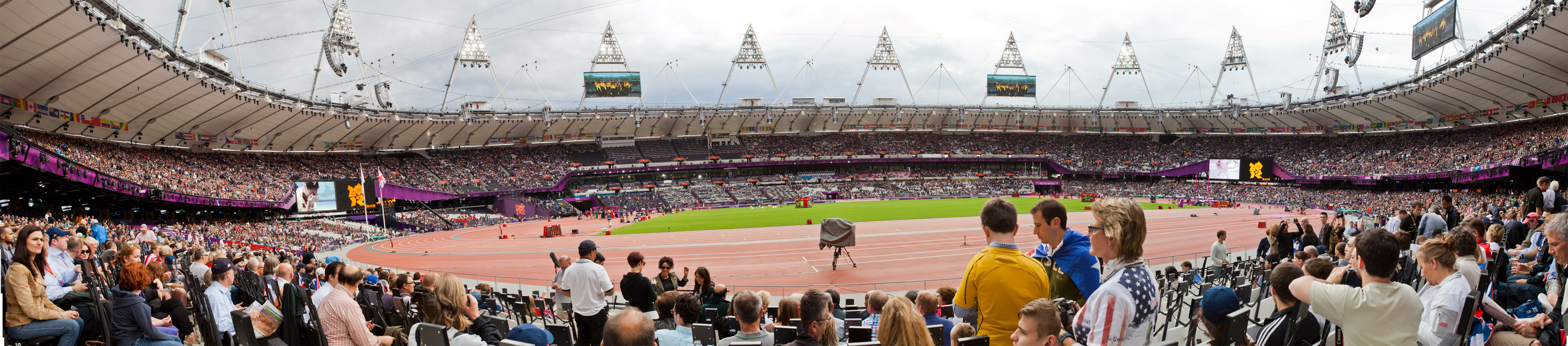 Panorama of the London 2012 Olympic Stadium from row 9